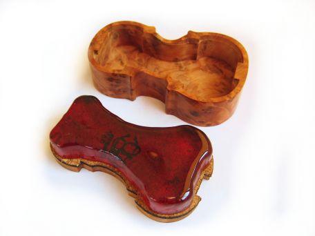 Bogaro en Clemete hars in houten doosje