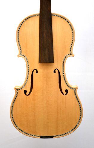 Ongelakt viool B